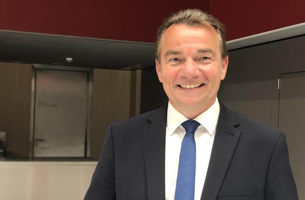 Philippe Henry, Président de la communauté de communes du pays de Château-Gontier, Vice-président du conseil régional des Pays de Loire.